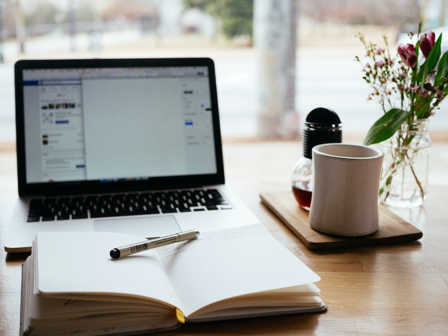 A guest contributor will drive more traffic to your surf blog